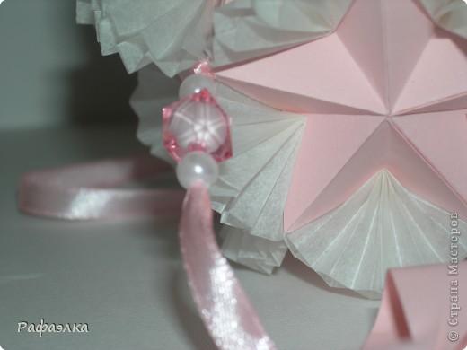 Designer: Tomoko Fuse Parts :30+30 Paper: 4*8 cm Joint: glue video: http://kusuda.ru/kusudamas/odna-iz-kusudam-tomoko-fuse Бумага офисная + пергамент Вдохновение искала здесь: http://stranamasterov.ru/node/193570 фото 4