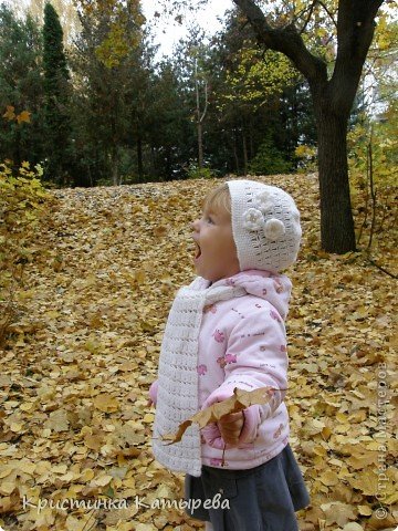 Шапочка с шарфиком крючком для маленькой модницы фото 2