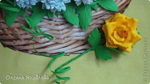 Остались у меня после последней работы белые хризантемки и зеленые,и я сделала розы по мк Астория  http://asti-n.ya.ru/replies.xml?item_no=550 фото 12