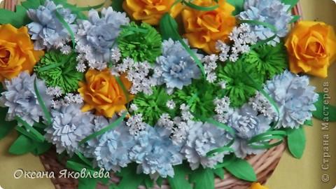 Остались у меня после последней работы белые хризантемки и зеленые,и я сделала розы по мк Астория  http://asti-n.ya.ru/replies.xml?item_no=550 фото 13