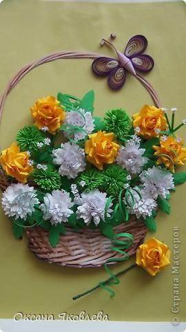 Остались у меня после последней работы белые хризантемки и зеленые,и я сделала розы по мк Астория  http://asti-n.ya.ru/replies.xml?item_no=550 фото 5