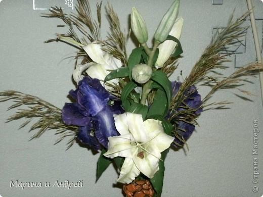 Самая первая законченная работа... Начала с ирисов, перешла на лилии кустовые. фото 1