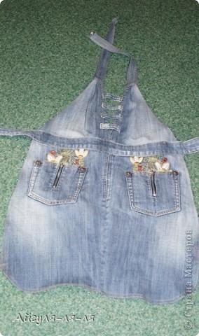 Хочу поделиться с идеей, как использовать старые джинсы! Сшила себе фартук, фасон придумала сама,теперь одеваю с удовольствием! фото 1