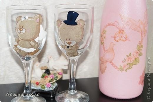 Как приятно собираться на свадьбу и готовить необычные сюрпризы для молодоженов! Решила им подарить бокалы и шампанское, в такой нежной теме мишки тедди! фото 5