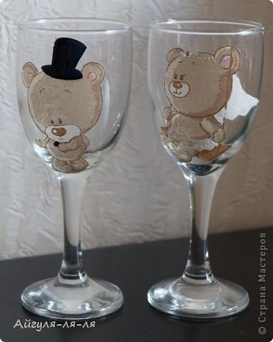 Как приятно собираться на свадьбу и готовить необычные сюрпризы для молодоженов! Решила им подарить бокалы и шампанское, в такой нежной теме мишки тедди! фото 6