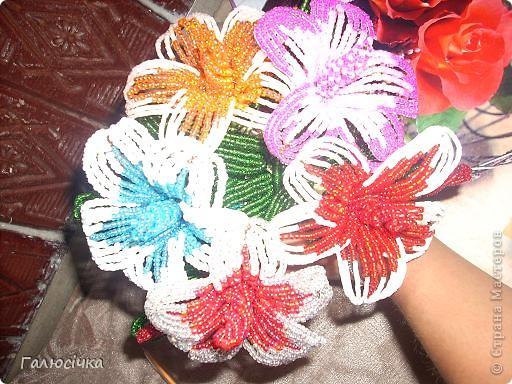 Квіточки з бісеру фото 2