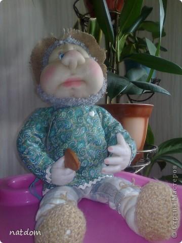 Доброго времени суток дорогие мастерицы! Представляю Вашему вниманию мои первые работы. Благодаря Елене Лаврентьевой и ее замечательному Мастер класу я начала шить кукол. Рост у этого Домовенка 55 см, внутри проволочный каркас. фото 2