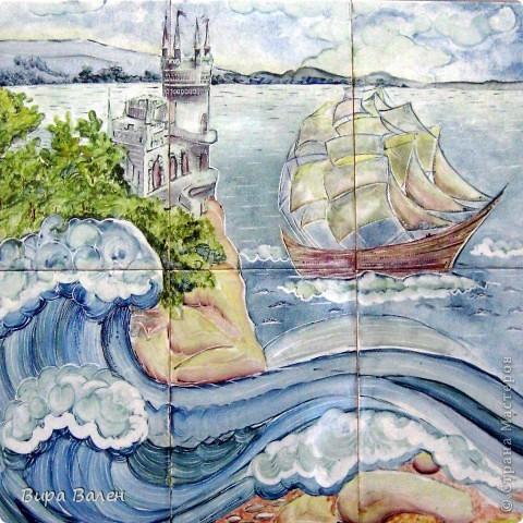 Еще немного керамики))) Решила достать одну из своих старых работ. Розпись керамическими красками по плитке с последовательным обжигом.