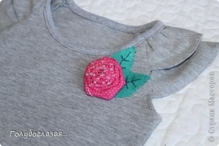 Как же мне нравится шить одежду для своей доченьки! Обожаю все эти девочковые штучки- цветочки, оборки, розовый цвет. А летом,  как никогда, можно воплотить многие свои идеи при пошиве  нарядов для Варвары. Жаль, что времени на всё задуманное катастрофически не хватает. фото 3