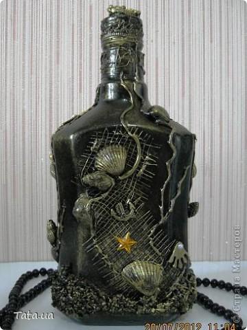 Доброго времени суток, дорогая Страна!!! Сегодня я к Вам с подарком для подруги- синяя морская бутылочка и фоторамочка, и для мамы- черная бутылочка. Снова воспользовалась идеей Оли  http://stranamasterov.ru/node/339980?c=favorite, а также Елены http://stranamasterov.ru/node/368042?c=favorite. Поводом послужило предстоящий день рождение подруги, и мое желание удивить маму. фото 11
