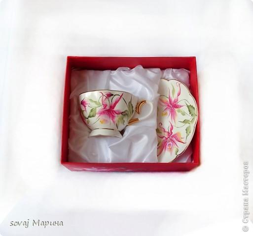 Чайная пара в подарочной коробке. Коробка  расписана  так же как посуда. фото 4