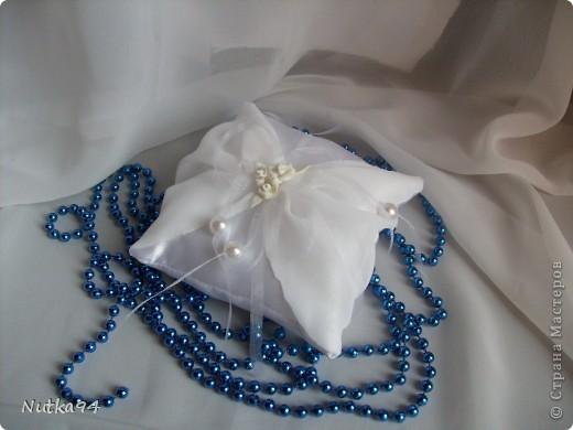 Заказали сделать БОЛЬШОЙ свадебный набор, свадьба будет в синих тонах, честно синий мне сначало показался не очень привлекательным цветом, но когда начала создавать работы просто влюбилась в этот цвет, он такой нежный , воздушный, небесный))))  Вот такая казна для денег получилась)) фото 7