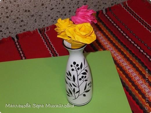 Цветок с лепестками - сердечками - прекрасное украшение для самодеятельной поздравительной открытки, которую дарят очень близкому человеку фото 6