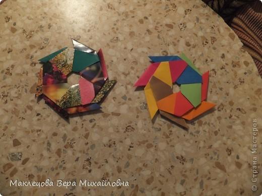 Цветок с лепестками - сердечками - прекрасное украшение для самодеятельной поздравительной открытки, которую дарят очень близкому человеку фото 10