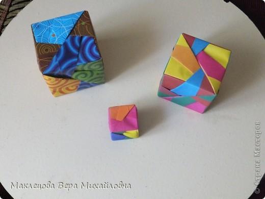 Цветок с лепестками - сердечками - прекрасное украшение для самодеятельной поздравительной открытки, которую дарят очень близкому человеку фото 11