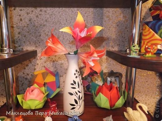 Цветок с лепестками - сердечками - прекрасное украшение для самодеятельной поздравительной открытки, которую дарят очень близкому человеку фото 16