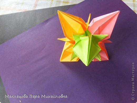 Цветок с лепестками - сердечками - прекрасное украшение для самодеятельной поздравительной открытки, которую дарят очень близкому человеку фото 21