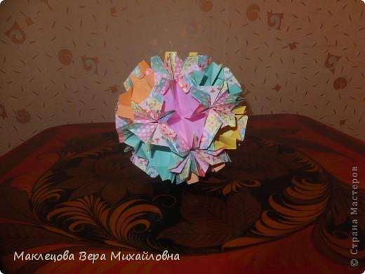 Цветок с лепестками - сердечками - прекрасное украшение для самодеятельной поздравительной открытки, которую дарят очень близкому человеку фото 23
