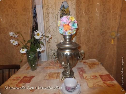 Цветок с лепестками - сердечками - прекрасное украшение для самодеятельной поздравительной открытки, которую дарят очень близкому человеку фото 24