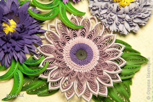 """Обожаю сине-сиренево-фиолетово-голубую гамму. Хочу поделиться с вами очередным своим """"рукоприкладством"""". Цветы вроде бы как астры и хризантема. С мелкими затрудняюсь... они скорее фантазийные, впрочем, как и листья. Отсюда и название))) фото 4"""