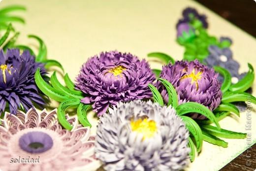 """Обожаю сине-сиренево-фиолетово-голубую гамму. Хочу поделиться с вами очередным своим """"рукоприкладством"""". Цветы вроде бы как астры и хризантема. С мелкими затрудняюсь... они скорее фантазийные, впрочем, как и листья. Отсюда и название))) фото 5"""