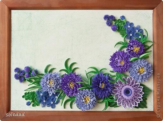 """Обожаю сине-сиренево-фиолетово-голубую гамму. Хочу поделиться с вами очередным своим """"рукоприкладством"""". Цветы вроде бы как астры и хризантема. С мелкими затрудняюсь... они скорее фантазийные, впрочем, как и листья. Отсюда и название))) фото 2"""