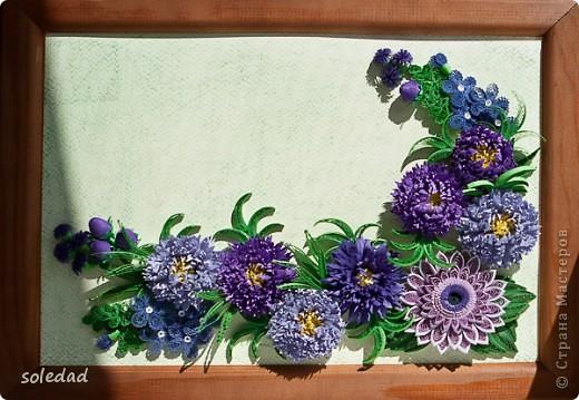 """Обожаю сине-сиренево-фиолетово-голубую гамму. Хочу поделиться с вами очередным своим """"рукоприкладством"""". Цветы вроде бы как астры и хризантема. С мелкими затрудняюсь... они скорее фантазийные, впрочем, как и листья. Отсюда и название))) фото 1"""