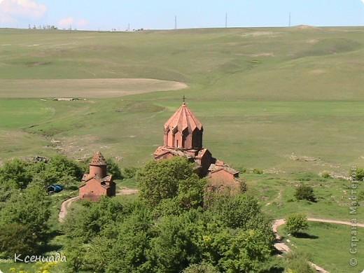 Пересматривая фотографии, наткнулась на фото сделанные в Армении, когда муж там служил!!! Захотелось с Вами поделиться этой красотой!!! С детства мечтала побывать на озере Севан!!!  фото 17