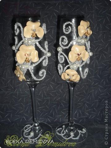 Попросили сделать бокалы с бежевыми орхидеями. Ну что же -  надо, так надо....