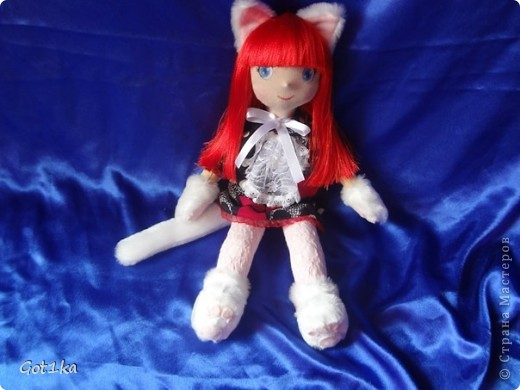 Текстильная, интерьерная кукла Эмма, изготовлена в 2012 году.Рост 50 см. Мателиалы: ткань лен, искусственный мех, волосы атласные, синтепон, ароматизатор корица, краски по ткани, флис для декора. фото 1
