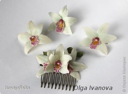 Комплект заколок с орхидеей цимбидиум. фото 1