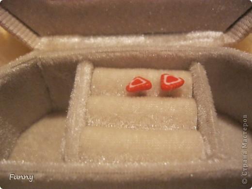 Вот такой букетик из игрушек и конфет я подарила подруге, по моему вышло очень мило) Букет получился большим и немного тяжелым, но это по моему его ничуть не портит. Такой букет мне кажется понравиться детям (кстати мой букет почему то очень пах сахарной пудрой))))))))))))))) фото 11