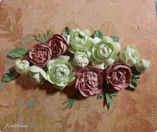 Хочу показать вам как в своей открытке делала пионы: http://stranamasterov.ru/node/389032 . Розы делала по такой же методике. Похоже получилось или нет - судить вам. фото 1