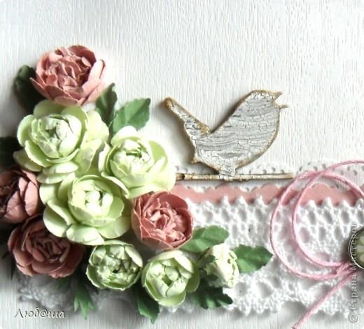Открытка для друга нашей семьи. Использовала те самые цветы, что делала в предидущем МК. фото 2