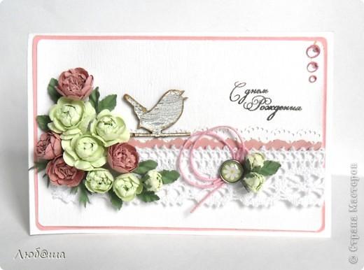 Открытка для друга нашей семьи. Использовала те самые цветы, что делала в предидущем МК. фото 1