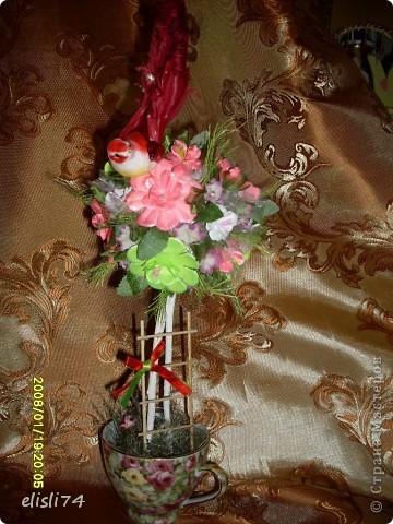 Мое цветочное дерево. Цветочки вырезала из факсовой цветной бумаги. Придавала объем на коврике от мыши. фото 1