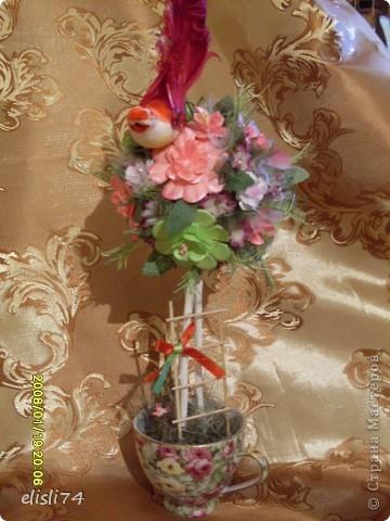 Мое цветочное дерево. Цветочки вырезала из факсовой цветной бумаги. Придавала объем на коврике от мыши. фото 2