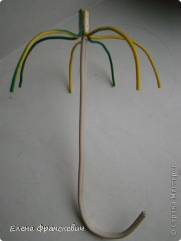 """Здравствуйте, давно ничего не """"творила"""", решила хоть небольшой работой заняться и сделала ключницу, чтобы совсем навык не потерять ))). Попыталась изобразить старый забытый зонт в кирпичной кладке, измаранный кирпичной крошкой и следами побелки. Скажу вам честно, не совсем довольна, в идеале и по задумке надо было и ручку замуровать для пущей убедительности, но..... поленилась, да и с цветовой гаммой, мне кажется, можно было что-нибудь поинтереснее придумать.......  фото 8"""