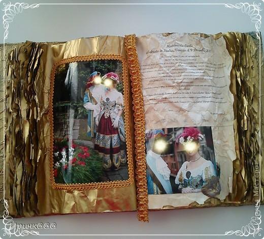 Попросила меня подруга сделать подарок своей сестре на годовщину свадьбы.Бракосочетание проходило в Венеции.выбрали из множества очень красивых фотографий несколько и работа закипела.........это обложка.... фото 4