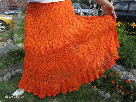 Пляжная юбка Оранжевое безумие, связалась случайно, как первый вариант юбки для себя. Я не угадала с размером, хотела распустить, но в гости пришла сестра и выпросила отдать юбку ей! В итоге вот что вышло! фото 6
