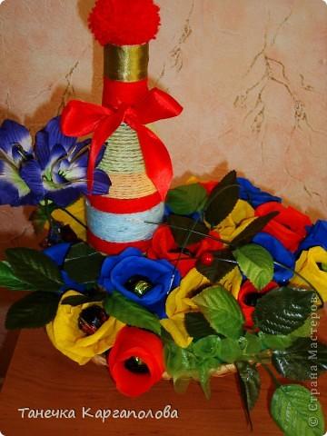 Сделала веер из вилочек и вниз расположила цветы из конфет! фото 4