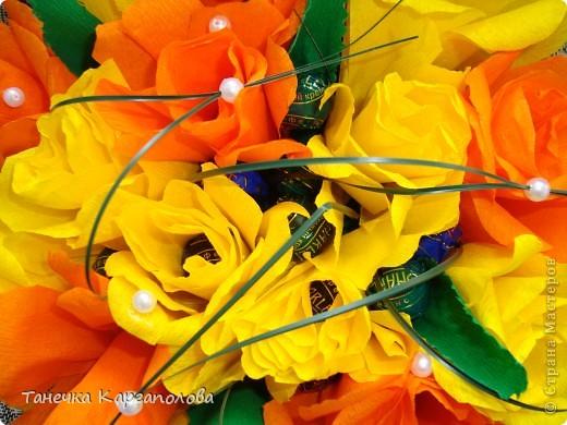 Сделала веер из вилочек и вниз расположила цветы из конфет! фото 10