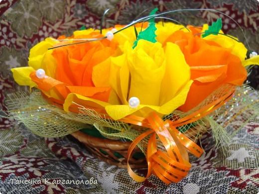 Сделала веер из вилочек и вниз расположила цветы из конфет! фото 11