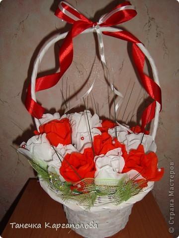 Сделала веер из вилочек и вниз расположила цветы из конфет! фото 12