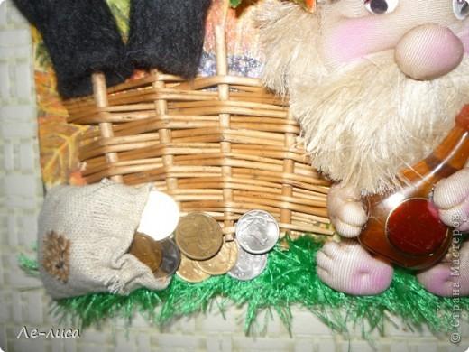 Буквально на днях меня осенило, что корзинка из-под букета- это готовый плетень. Дальше пошла сплошная импровизация. фото 19