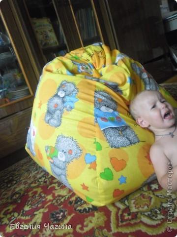 Вот такое кресло-мешок попросили меня с шить на день рождения маленькому мальчику, которому как раз сегодня исполняется 2 года. фото 3