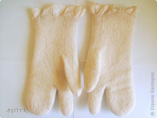 """Попробовала свалять """" по мокрому """" рукавички с двумя свободными пальцами на натуральном шелке,НЕ БЕЗ ПОМОЩИ """" Учителя"""" фото 5"""