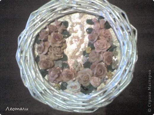 Доброго времени суток все кто зашёл в гости.Моё второе панно готово. Розы из фарфора, слеплены давно и ждали пока их куда нибудь пришпандорят. На этом панно собрались цветы в бежево - коричневой гамме. фото 1