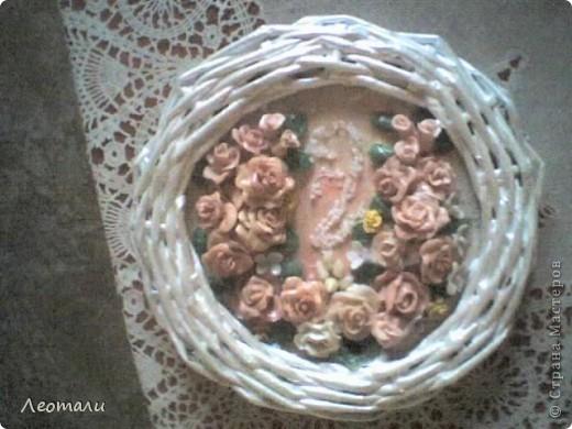 Доброго времени суток все кто зашёл в гости.Моё второе панно готово. Розы из фарфора, слеплены давно и ждали пока их куда нибудь пришпандорят. На этом панно собрались цветы в бежево - коричневой гамме. фото 3