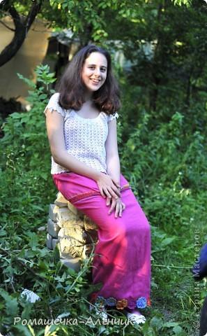 Этим летом я получила в подарок  от одной замечательной женщины очень интересные нитки - клубок вискозной пряжи всех цветов радуги. Их было не так много, и мне пришла в голову идея использовать их таким образом. фото 4
